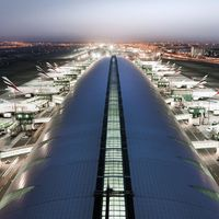Légiutasait adóztatja Dubai!