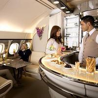 Megujúl a fedélzeti lounge rész az Emirates A380-as gépein