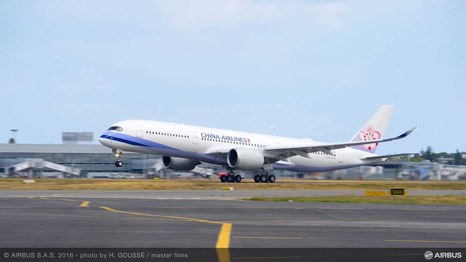 1600x1200_1475233678_a350-900_china_airlines_1.jpg