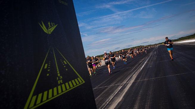 bud17-runway-runners2.jpg