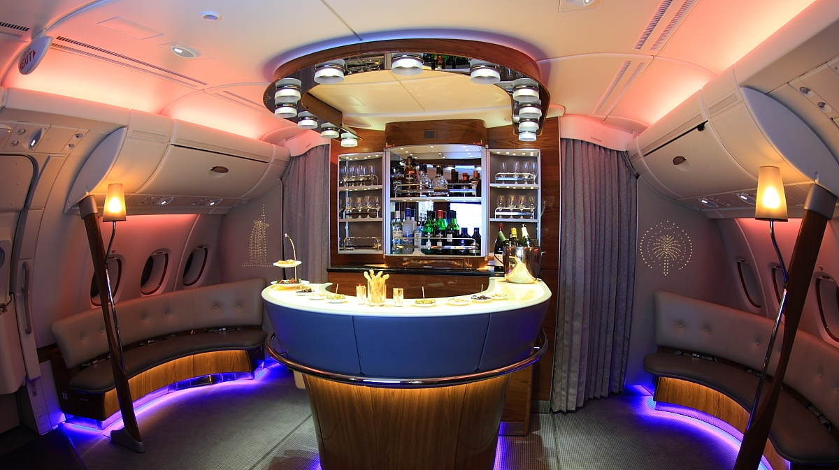 emirates-bar_blue_light.jpg