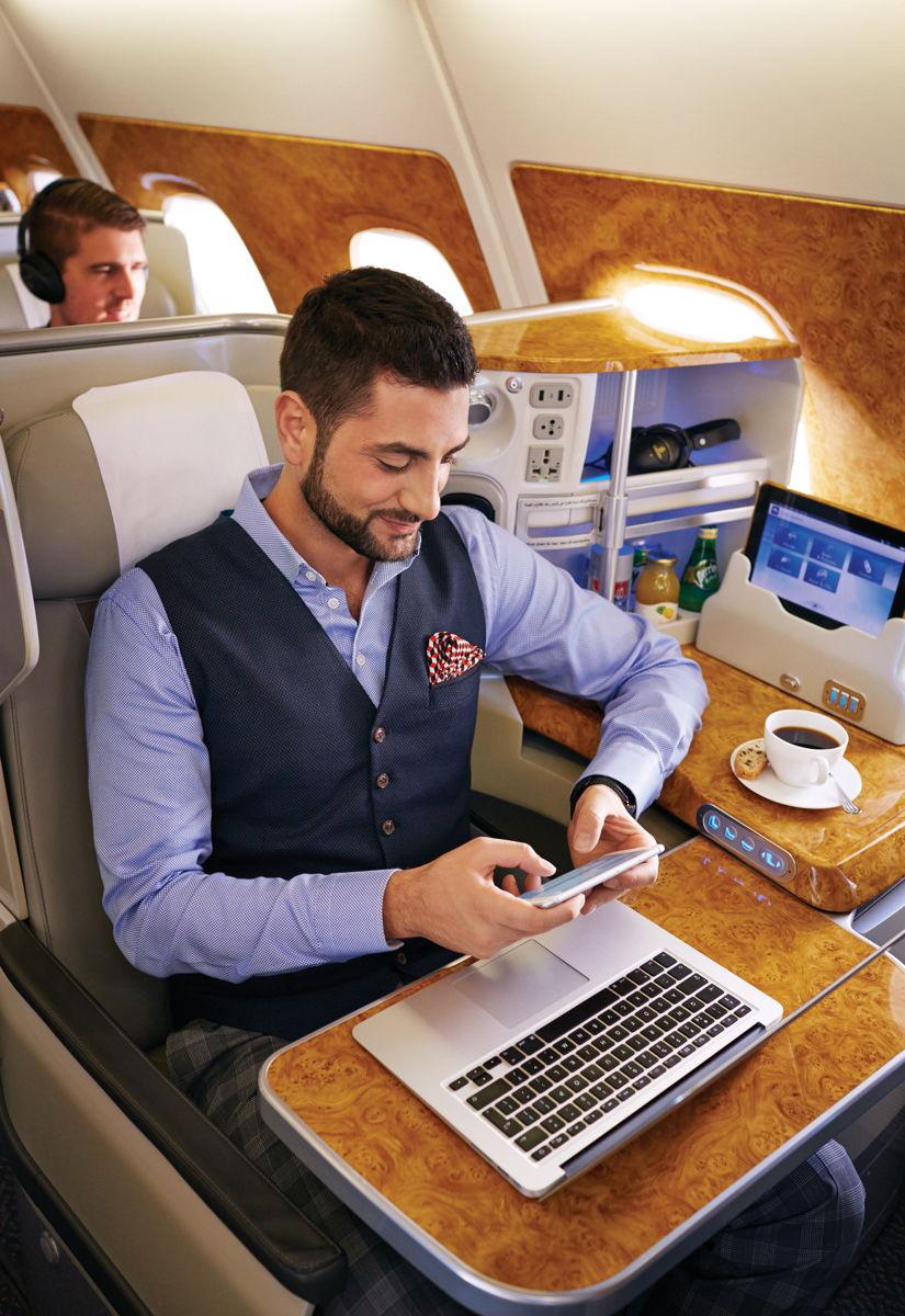 emirates_fedelzeti_mobilhasznalat.jpg
