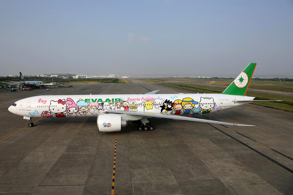 eva-air-777-300-b-16722-15-hello-kitty-shing-stargrd-tpe-eva-airlrw.jpg