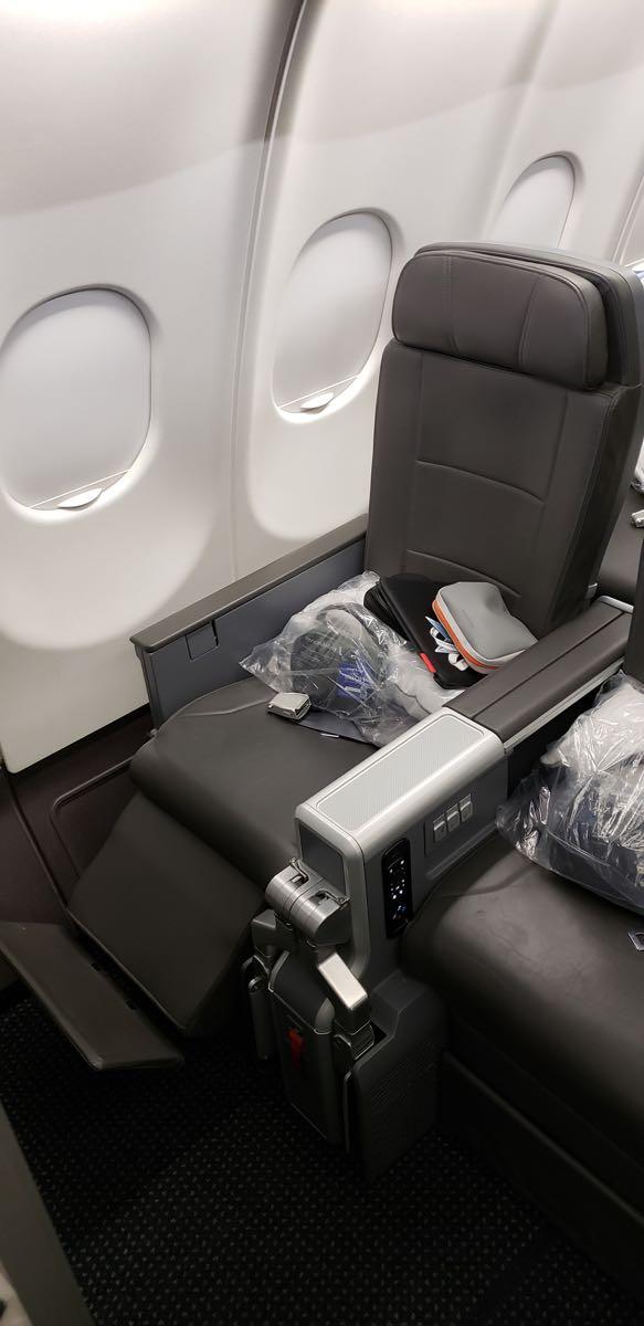 premium-economy-seat-bulkhead.jpg