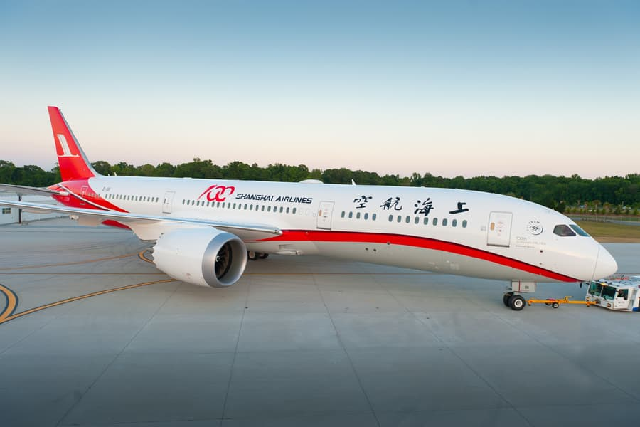 shanghai-airlines-first-787-9.jpg