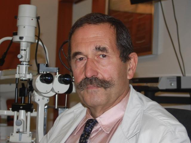 Egyedi technikájú szemműtét - dr. Radó Gábor microsebészeti specialista 1169371d65