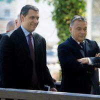 Lázár azzal kér bocsánatot Orbántól, hogy hülyét csinál magából