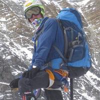 Mit érdemel a gyerekét az Everestre cipelő szülő?