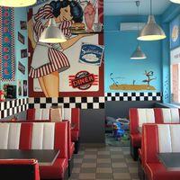 Barney's American Diner, Győr
