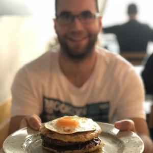 Reggeliburger Budán és Pesten