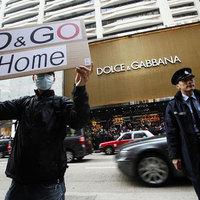 Hogyan kerülnek tüntetők a Dolce & Gabbana elé?