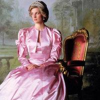 Folyik a marakodás Diana hercegnő vagyont érő ruháiért