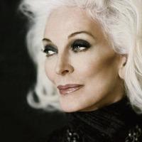 A magyar származású 80 éves szupermodell londoni kiállítása