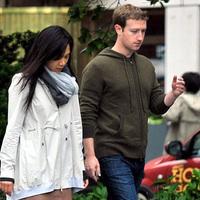 Legkevesebb húszmillióért sétálgatott Zuckerberg Budapesten