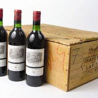 Tapossák egymást a jó borért az ázsiaiak