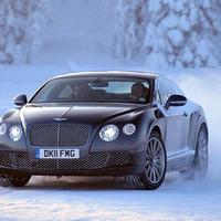 Csapass a jégen egy Bentley-vel!
