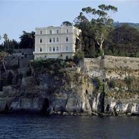 Eladó a legszebb fekvésű olasz tengerparti villa