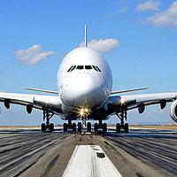 Lovak, tevék és Rolls-Royce-ok az első privát A380-on