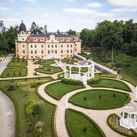 Eladja kastélyát a magyar származású milliárdos