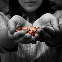 Drasztikus csökkenésben az adakozási hajlandóság