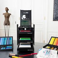 Lagerfeld ceruzák 800 ezer forintért