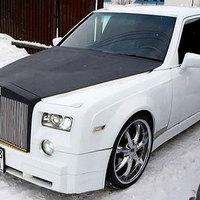 Ízléstelen Rolls Royce-ok: egy a nappaliba, egy a garázsba