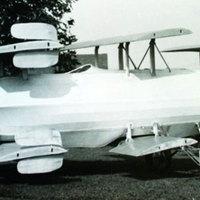 Kalandorok előnyben: szálljon a világ legöregebb repülő autójával!
