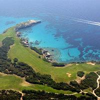 Kinek kell egy golfpálya Korzikán?