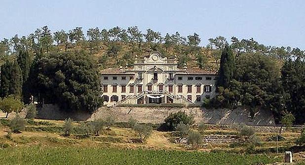 Budai Várkert Palota és toszkán Strozzi Palota összehasonlító teszt