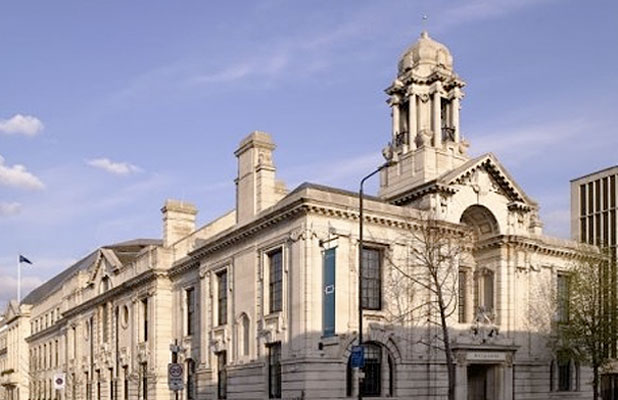 Luxushotel lett a londoni városházából