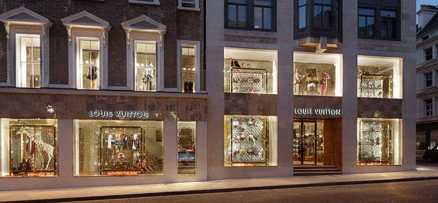 VIP emelet és táska-bárpult az új Louis Vuittonban