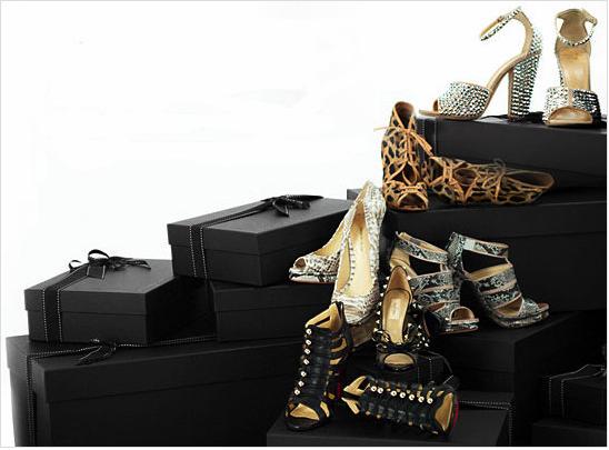 Tökéletes karácsonyi ajándék a csajodnak: fizess elő cipőre!