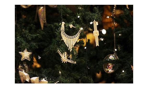 Elnézést kérnek a világ legdrágább karácsonyfájáért
