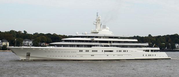 Közel féláron vette Abramovics haszontalan luxusjachtját