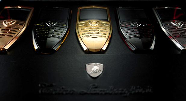 Laptop után itt a Lamborghini táblagép és okostelefon
