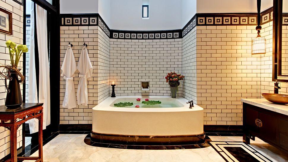 008941-03-Chinese-Villa-bathroom.jpg