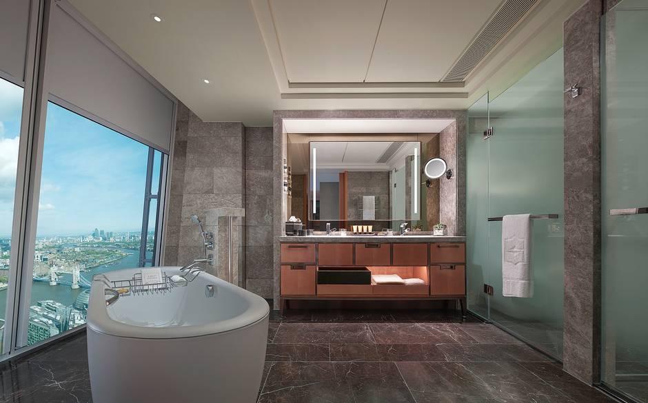City+View+Room+bathroom+Shangri+La+London.jpg