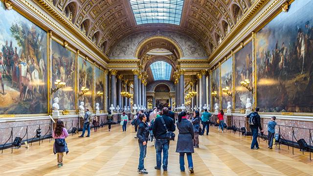 Jay-Z és Beyonce után a Louvre-ban