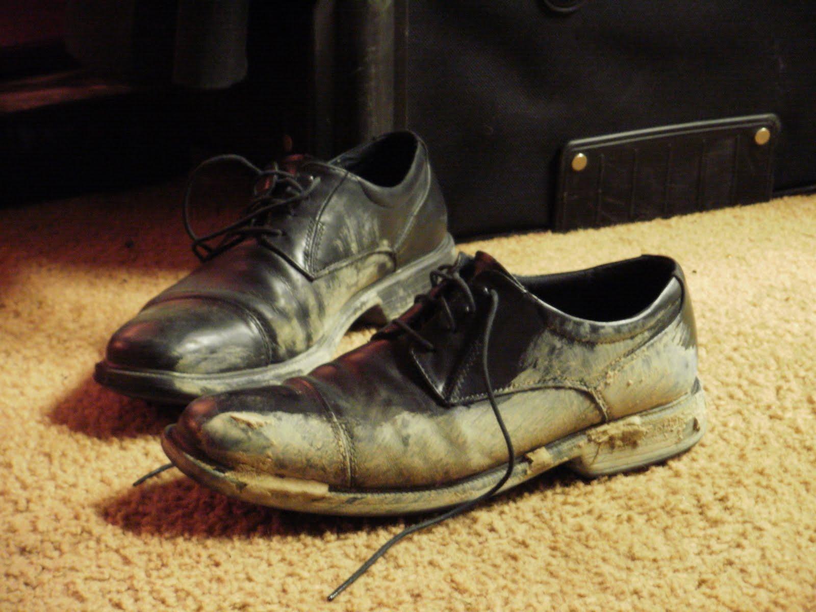 Need a shoe shine.JPG