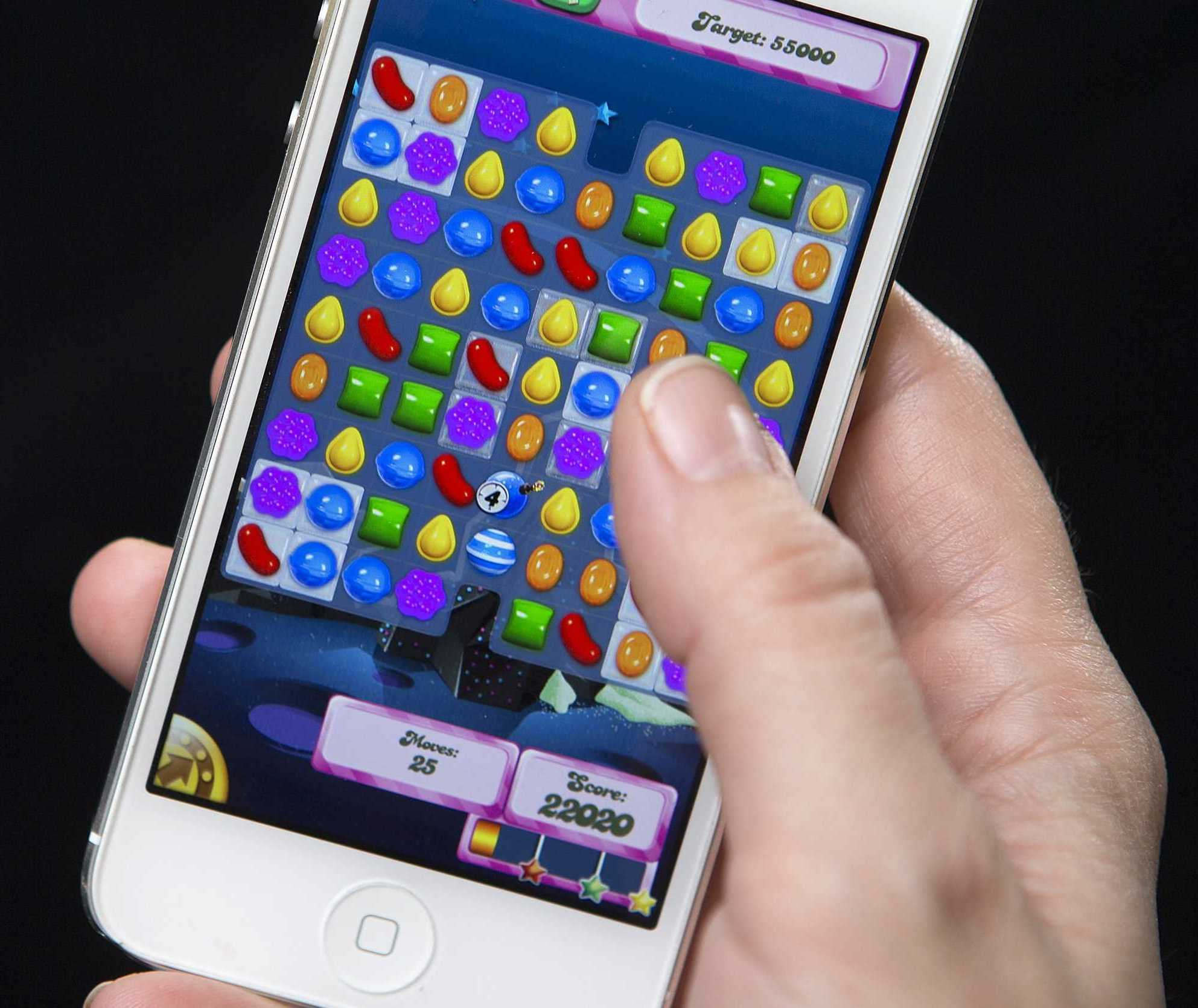 a-british-mp-admitted-to-playing-candy-crush-for-hours-during-a-pensions-meeting.jpg
