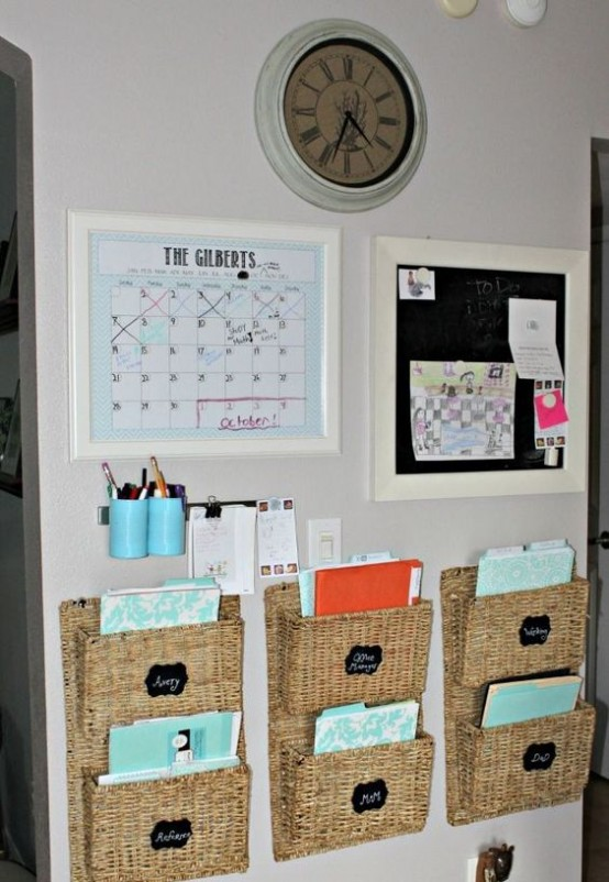 how-to-organize-your-home-office-smart-ideas-9-554x802.jpg