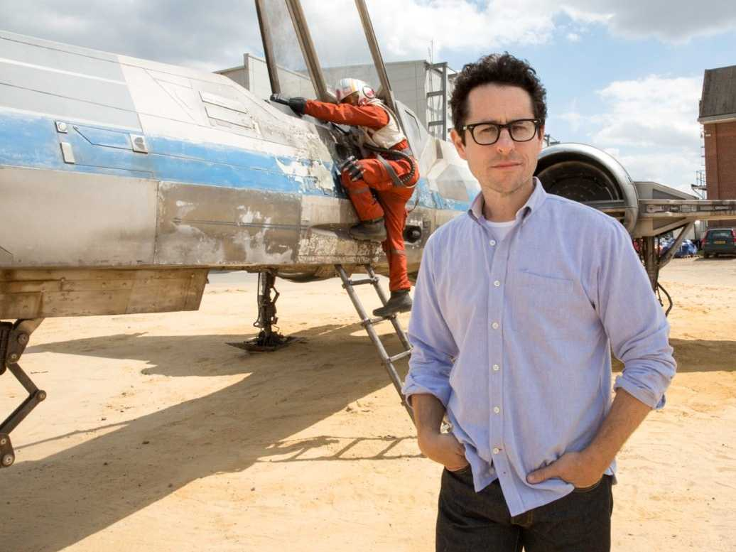 jj-abrams-shows-off-first-footage-of-x-wing-in-star-wars-episode-vii.jpg