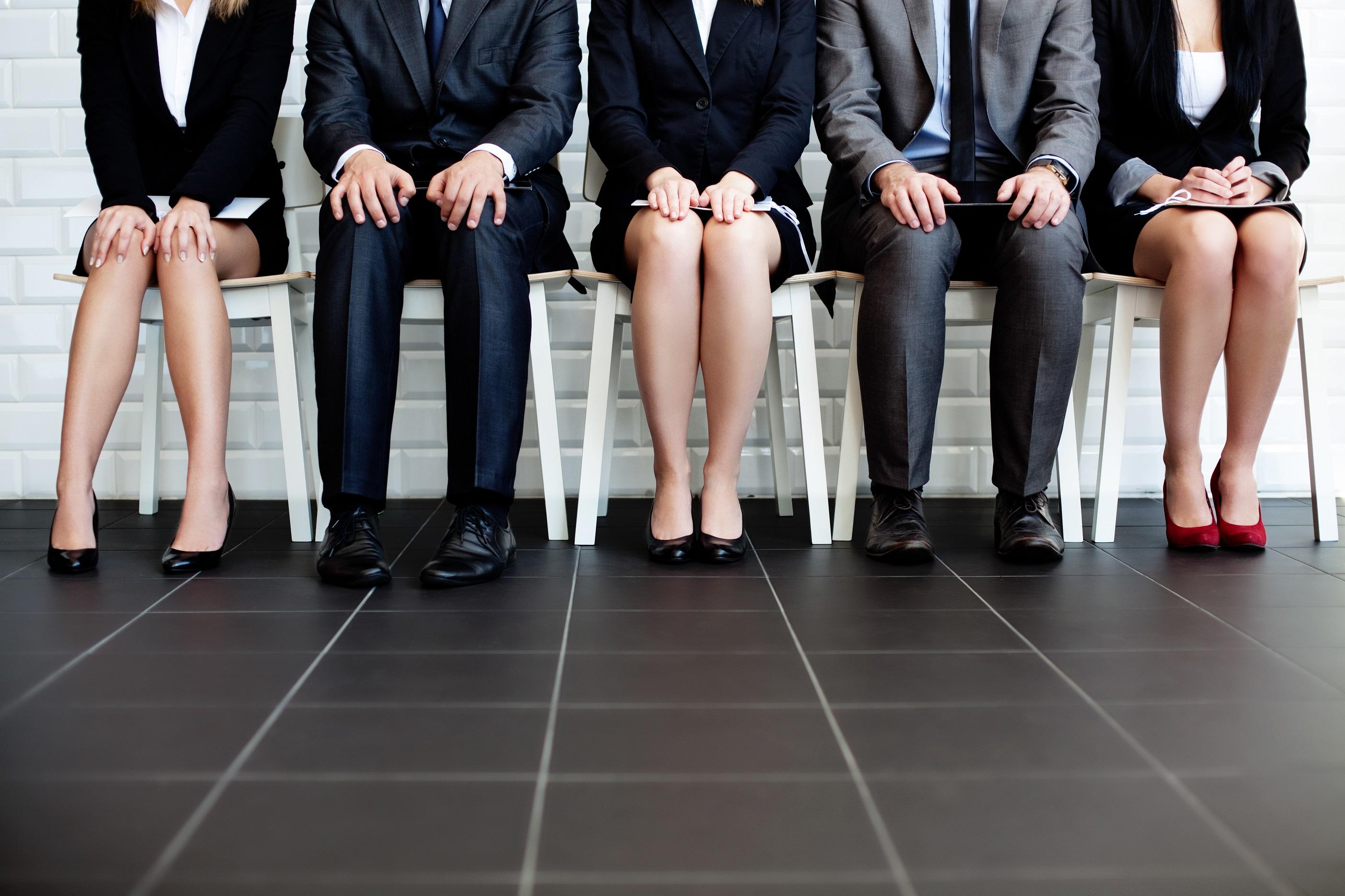 recruitment-people-line-waiting_1.jpg