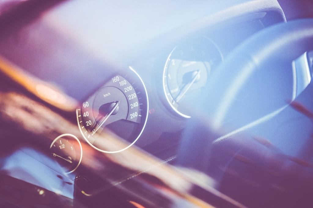speed-o-meter-in-a-car-through-window-picjumbo-com.jpg