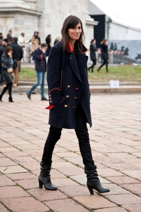 emmanuelle_alt_navy_coat.jpg