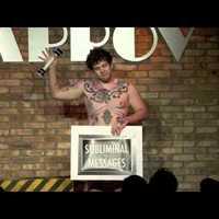 Nőnapi különkiadás: meztelen férfi bűvészek