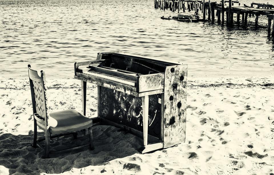 pianobeach.jpg