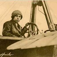 Az első magyar pilótanő