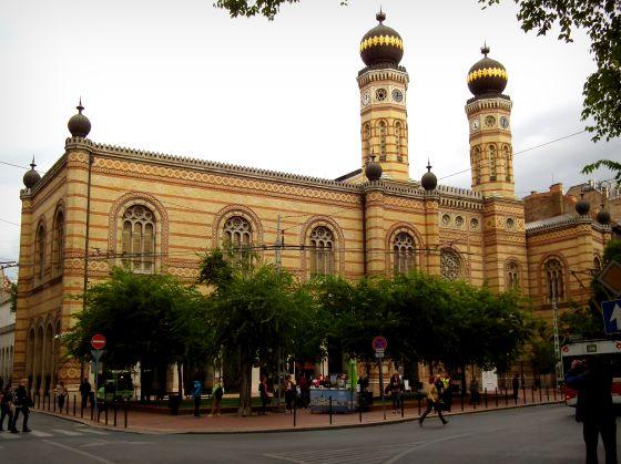 3_zsidonegyed_dohany_utcai_zsinagoga.jpg