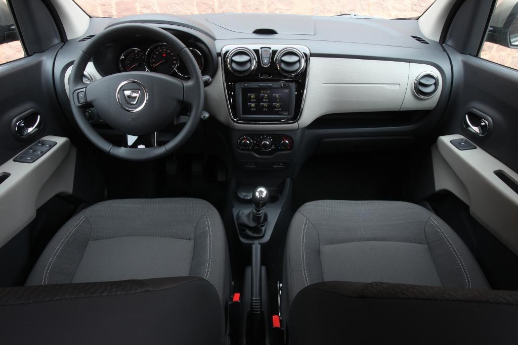 Dacia 7 Személyes: Megújul A Dacia